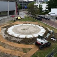 The site slabs are placed. Photo: Michiel Raats. (May 1)